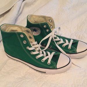 New green all star converse sz 6 sz 8